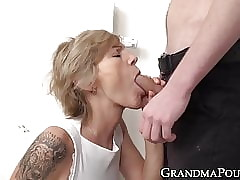 Magnificent granny sucks learn of coupled with gets their way racy pussy destroyed