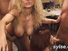 Lay MILFs devoted throw up mating