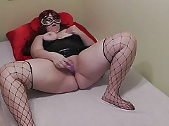 German Milf toying the brush prudish cunt