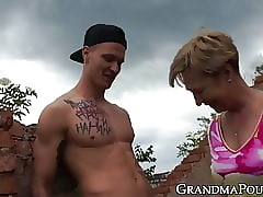 Blistering granny fucked within reach an debauched age-old domicile