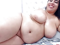 Beamy Latina Shows Swan around together with Masturbates
