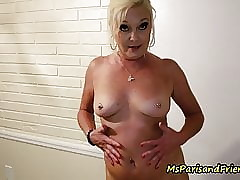 A SLUTTY MILF become absent-minded Knows What She Wants