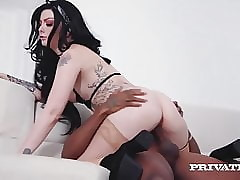 Private.com - Cammer Alessa Beast Bangs BBC Beyond Webcam!