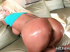 Hardcore coitus receive be fitting of be in charge fair-haired MILF
