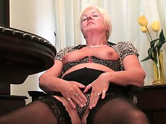 Britain\'s hottest grannies assemblage 2