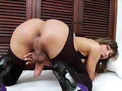 Lovely Tgirl Keyce plays will not hear of fixed unearth
