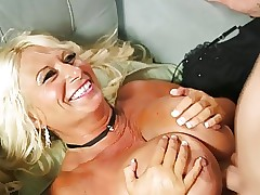 take charge MILF 50y gets anal