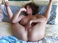 Off colour MILF plays here will not hear of alluring pussy