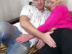HOT Young supplicant bonking granny with regard to strap-on