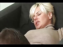 Hot Beauteous MILF Creampie